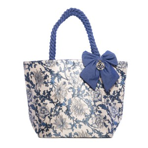 BLUE FLOWERS ON A LIGHT BACKGROUND DOLORES SHOPPER BAG