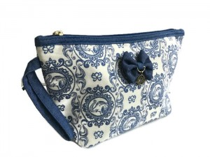 BLUE ELEPHANT PRINT ELLE MAKE UP BAG